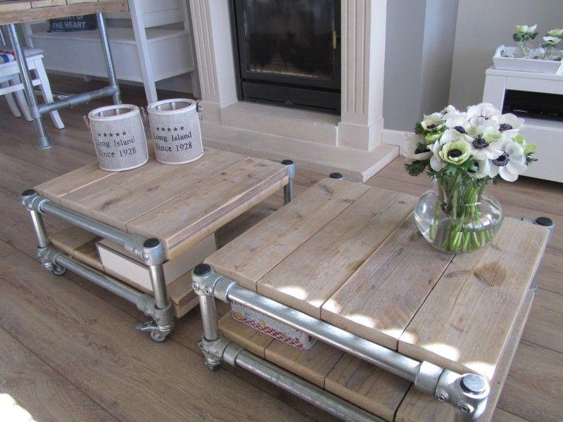 Salontafel op wielen gemaakt van steigerbuis en steigerhout het geeft een mooie stoere sfeer - Wat op een salontafel ...