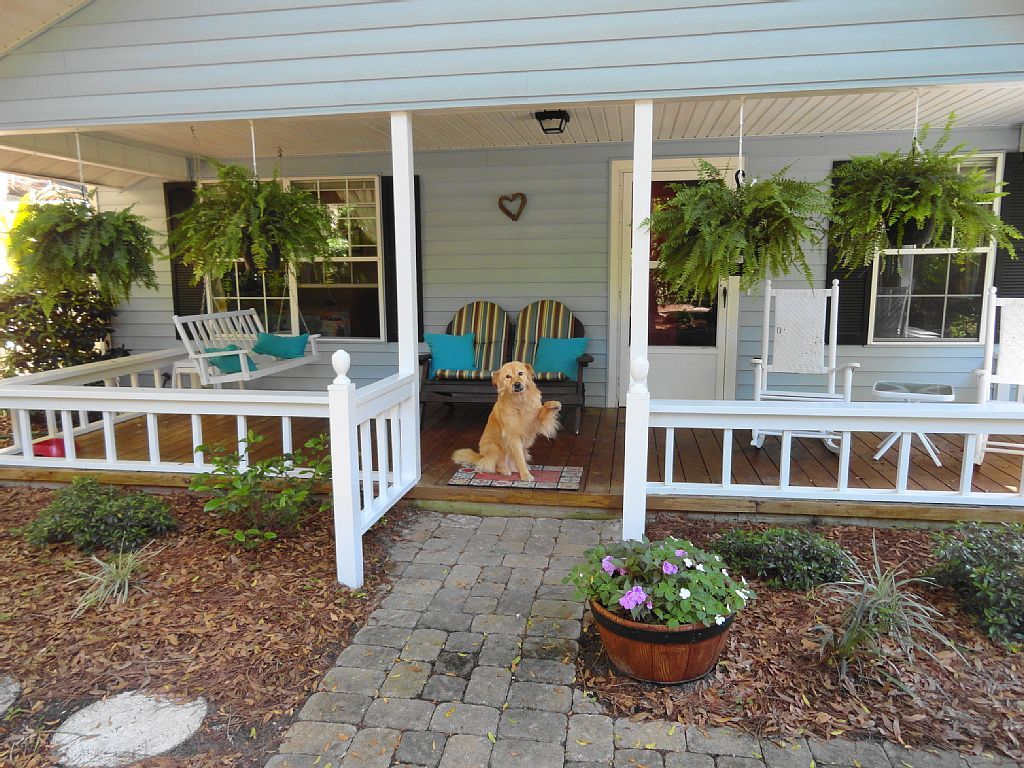 Pet Friendly South End Island Cottage, Short... - VRBO
