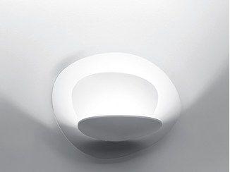 Applique a luce indiretta alogena pirce parete artemide italia