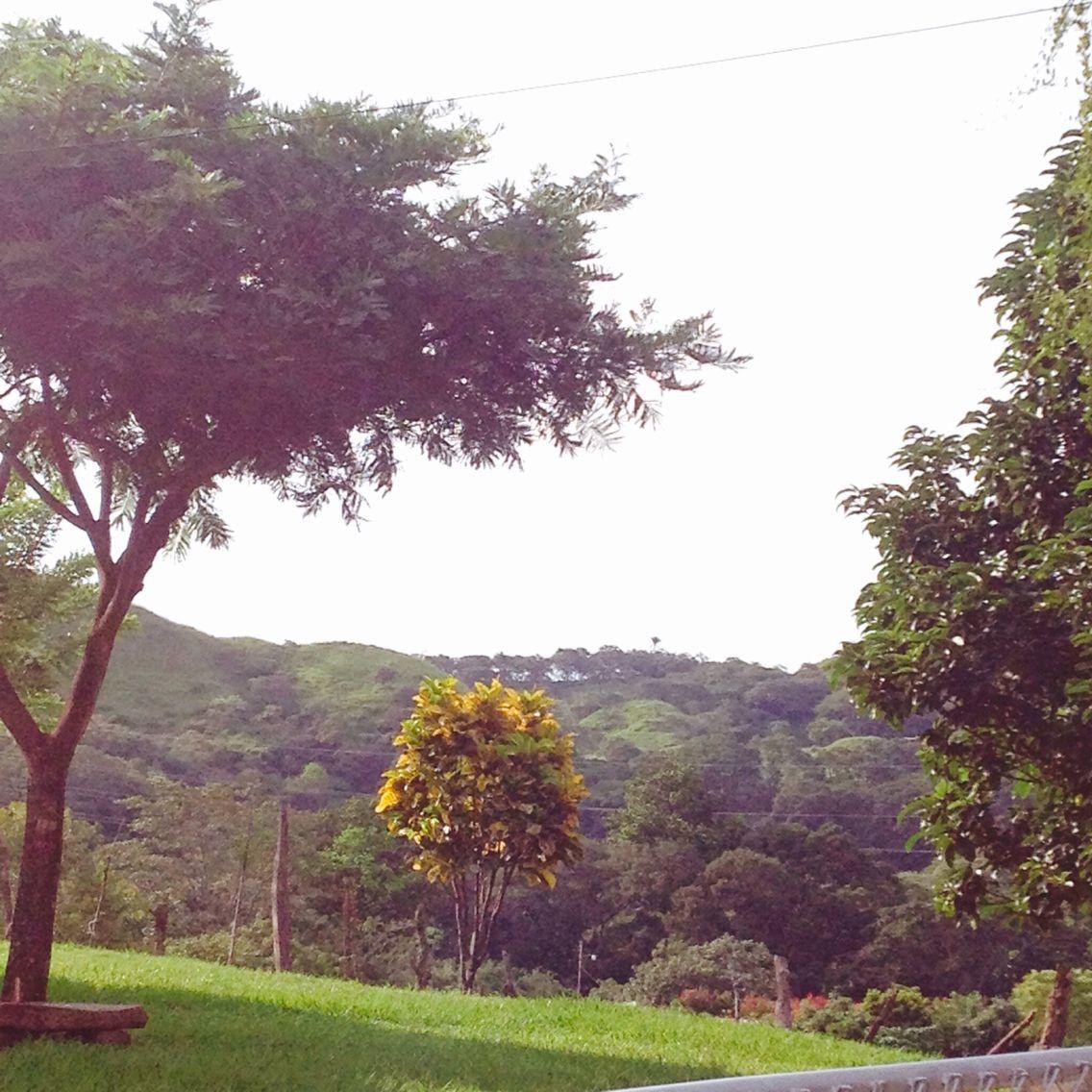 Paisaje en los altos de las vueltas, Guacima, Alajuela