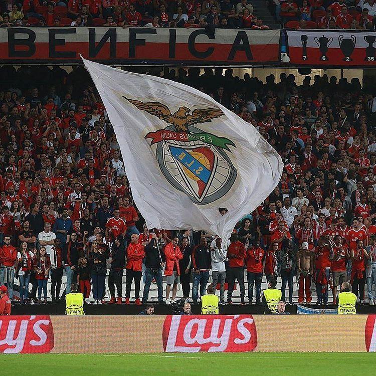 Aqui se vê a força do Benfica somos a maior claque de