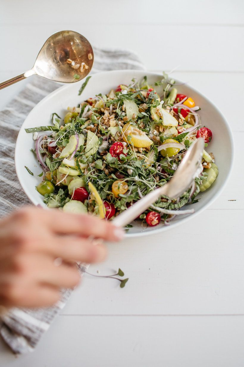 Farro, Tomato & Herb Salad with Roasted Lemons   Receta