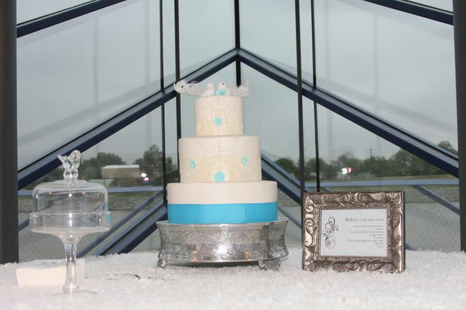 Our wedding cake made by mishelle handy cakes in oklahoma