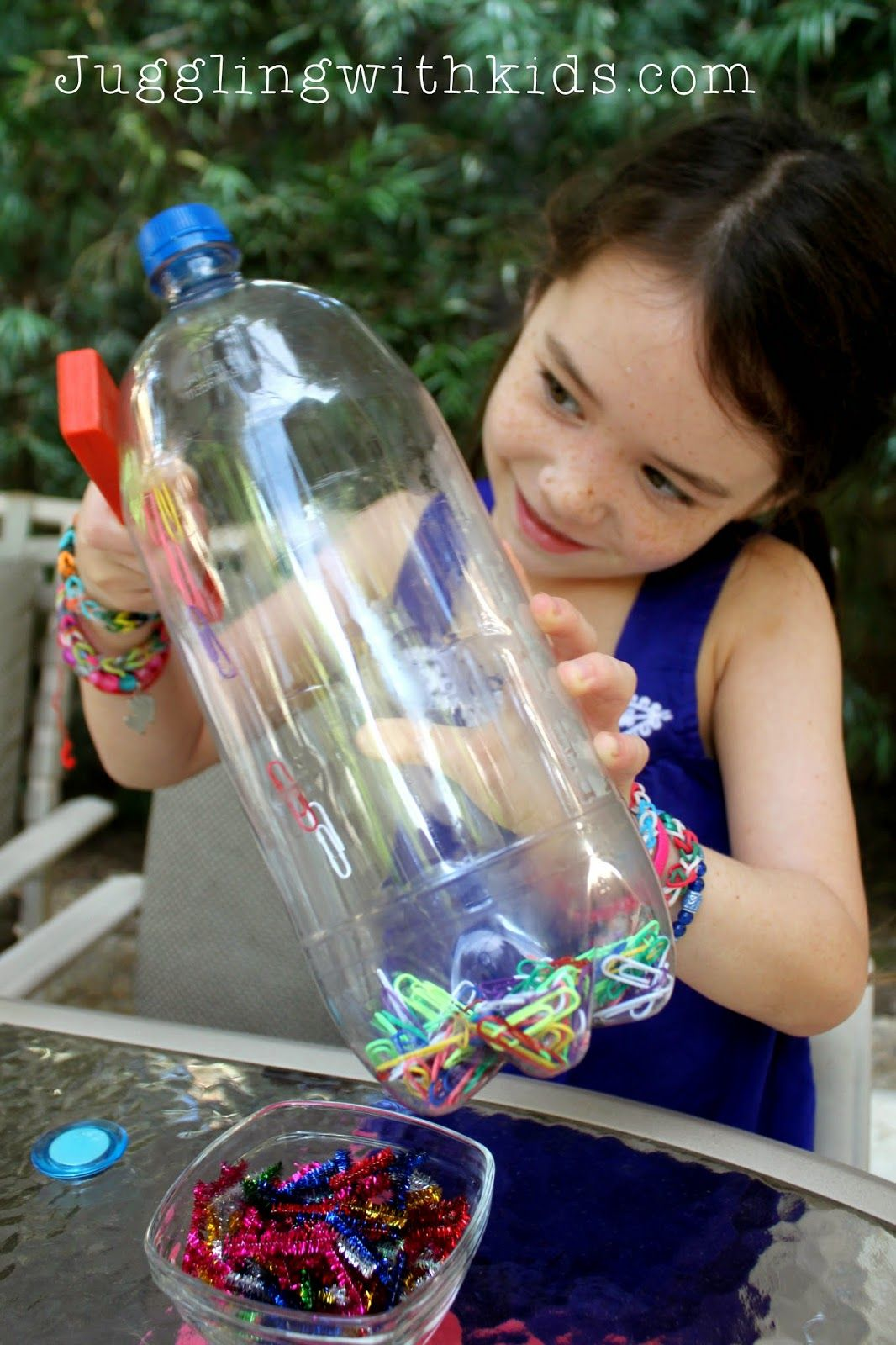Juggling With Kids Crafts Discovery bottles, Bottle