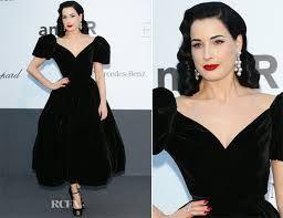 فساتين قصيرة منفوشة اسود Black Velvet Midi Dress Black Velvet Dress Velvet Dress Formal