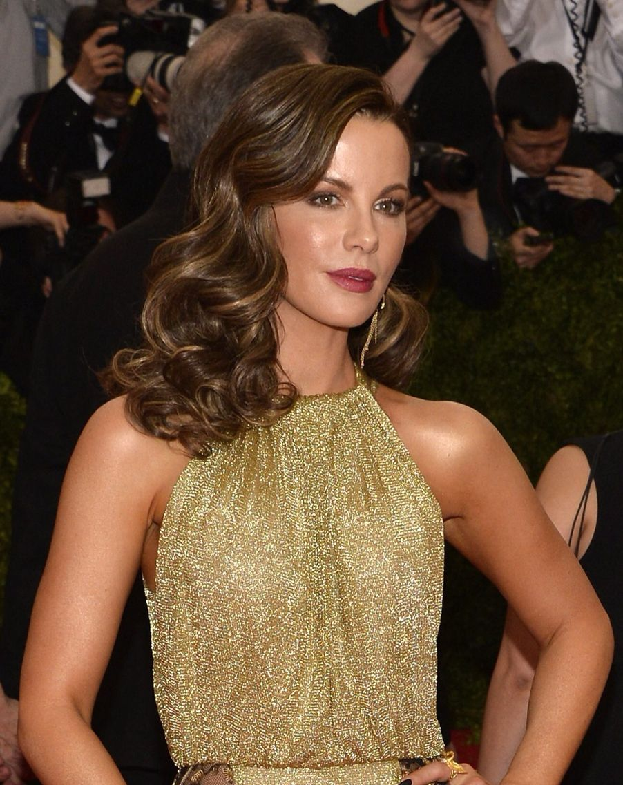 Red Carpet Hairstyles met gala 2016 the best beauty looks on the red carpet Kate Beckinsale Cannes 2015 Red Carpet Hairstyles Soft Curls Hair Down