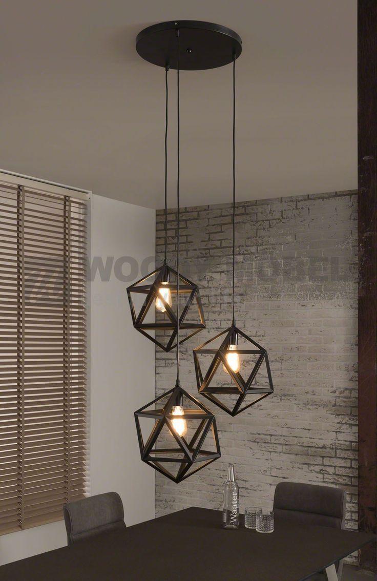 Hängelampe Mit Drei Designwürfeln Woody 8-8 Schwarz Metall
