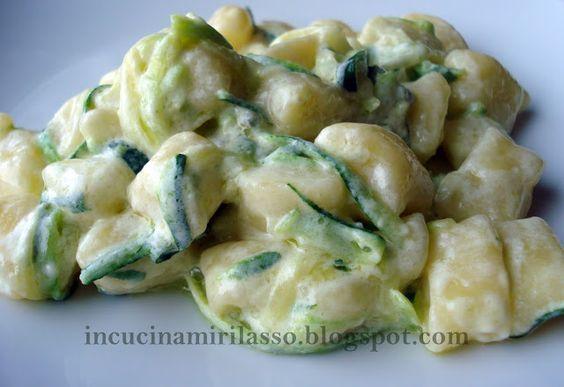 Gnocchetti con gorgonzola e zucchine cucina italiana for Cucinare edamame