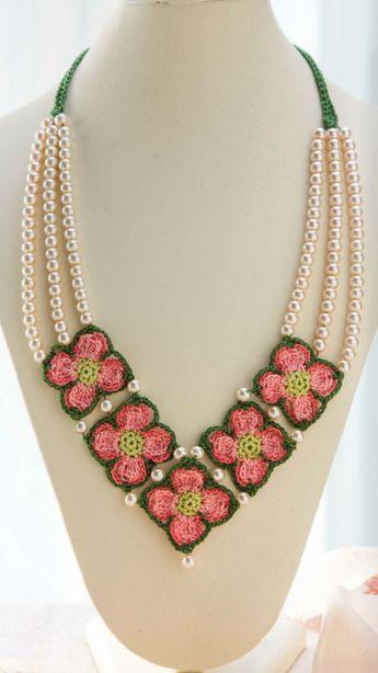 pink-dogwood-crochet-necklace-pattern.jpg (422×752) | ékszer ...