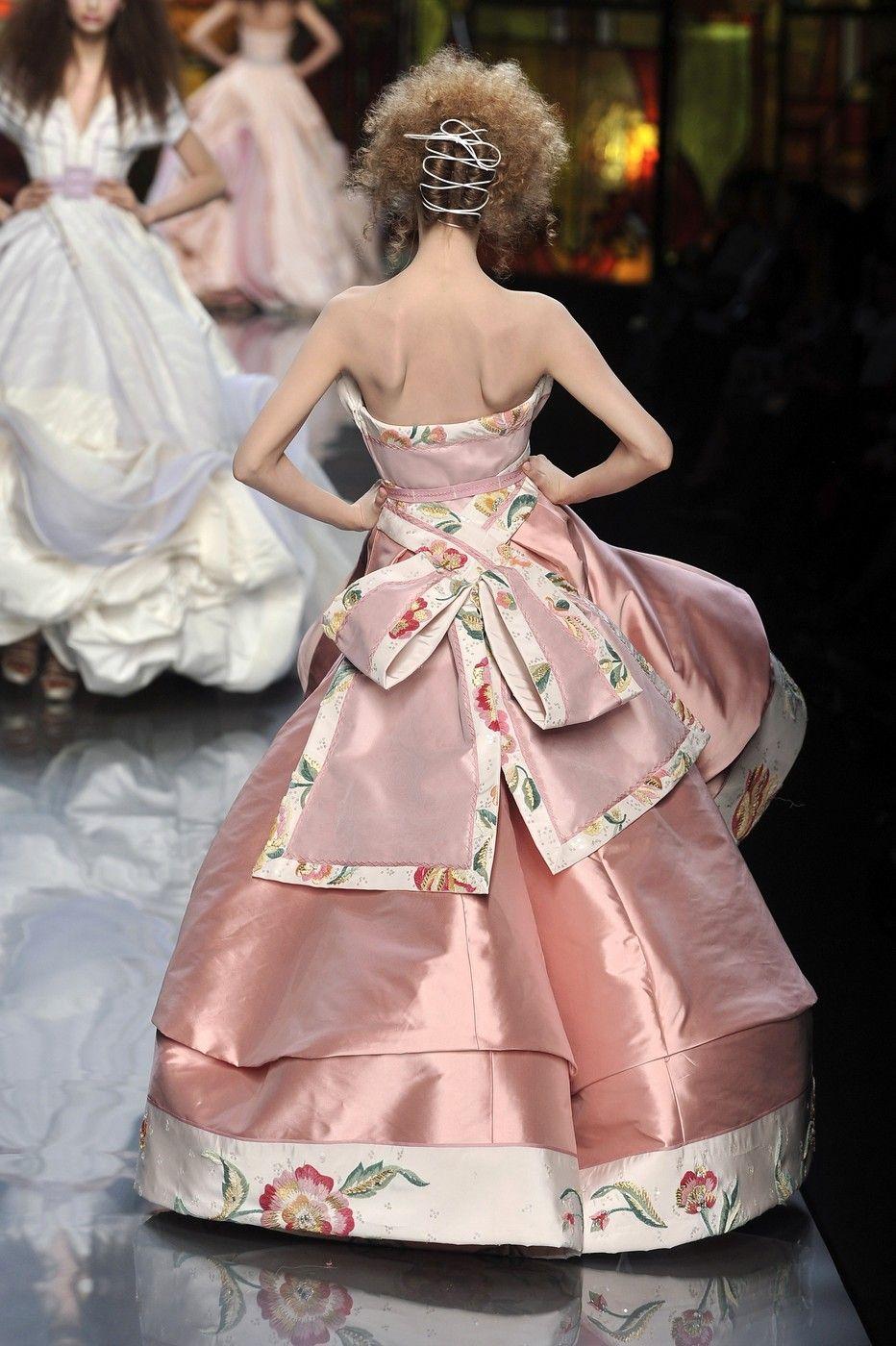 Christian Dior at Couture Spring 2009 | Moda estilo, Cabello y Estilo