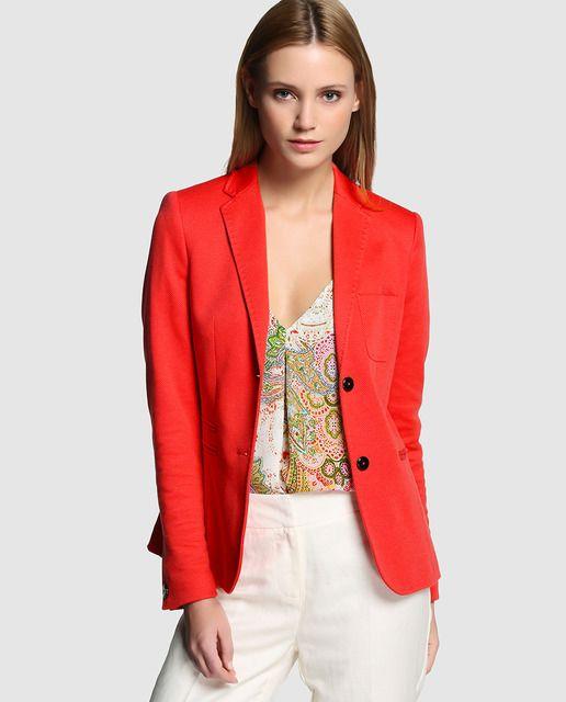 ac799bf085 Blazer de mujer Amitié en color coral con bolsillo en el pecho ...
