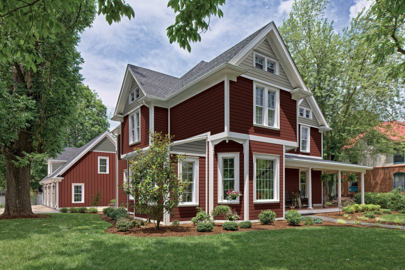 Kaycan Vinyl Siding Cabot Red Siding With White Trims Modern Bold Deeo Rich Colour Jewel Tone Warm H House Exterior Vinyl Siding House Designs Exterior