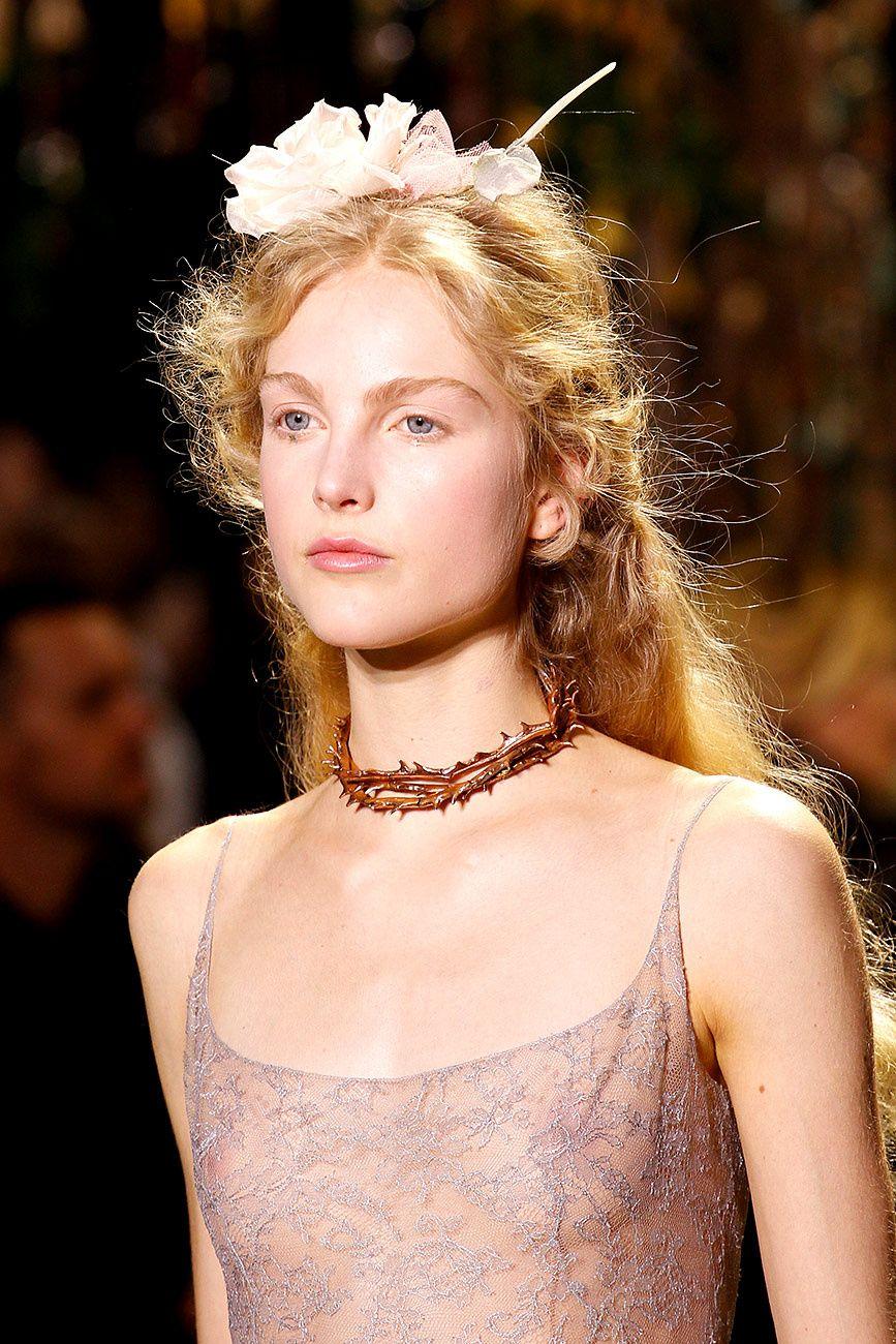 Querida novia: el tocado de tus sueños lo tiene #DiorCouture