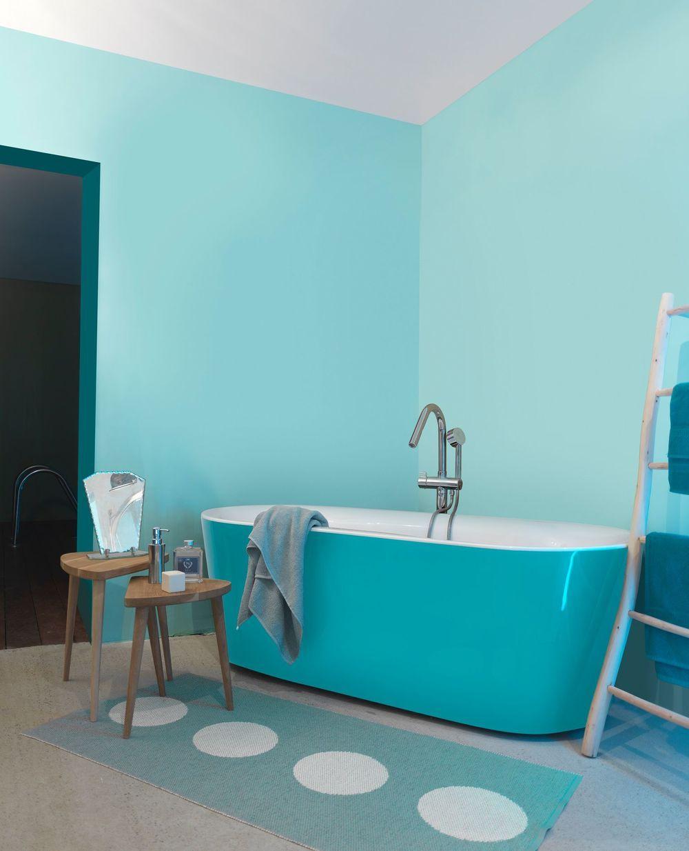 Peinture bleu : 12 couleurs bleutées pour repeindre son intérieur | Peinture bleu, Murs peints ...