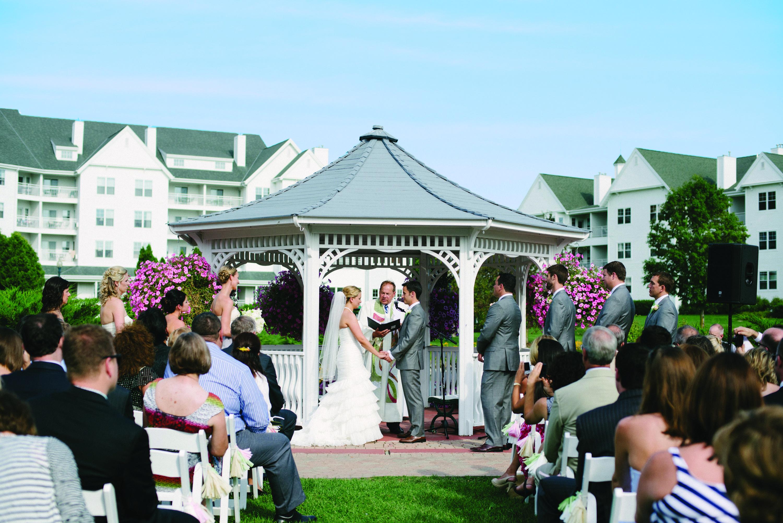Outdoor Wedding Ceremony. The Osthoff Resort, Elkhart Lake ...