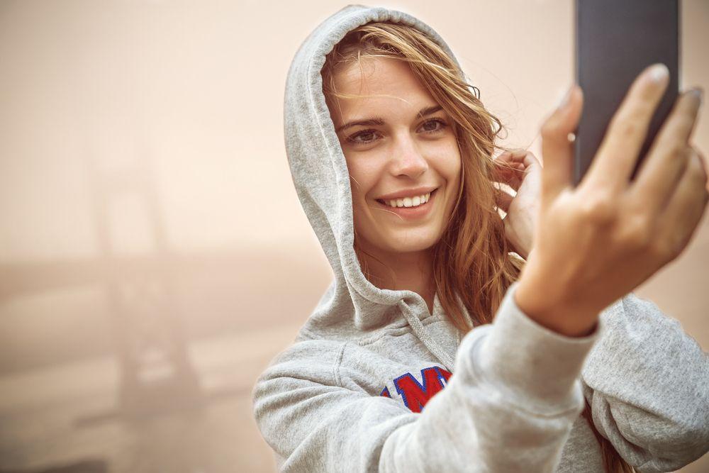 """Die Generation SELFie fordert täglich frisch """"Media for me, myself and I""""."""