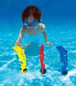 juegos de piscina con delfines