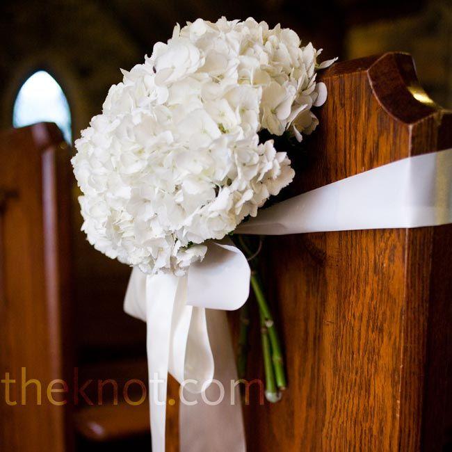 Simple Wedding Church Pew Decorations: Pin On Inspiration For Maria & Matt