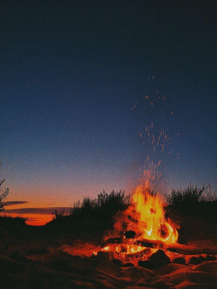 #summer #camping #couple #couplegoals #bonfire # ...