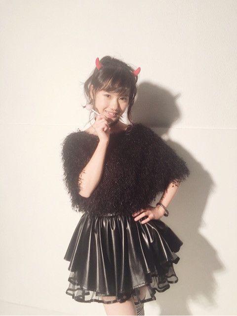 『週刊ファミ通』での横山玲奈の衣装の画像