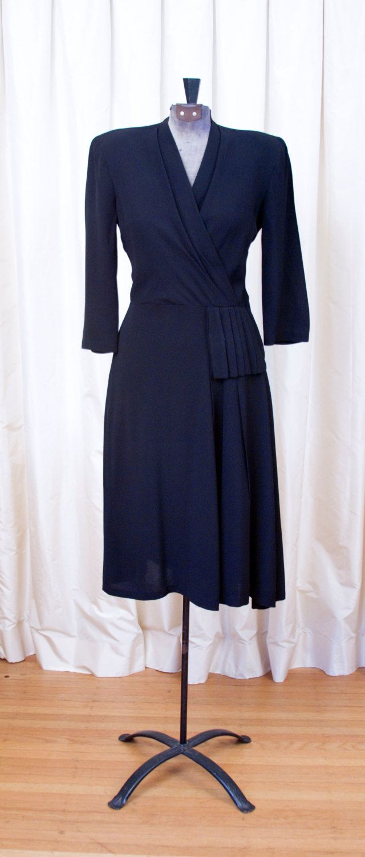 Vintage 1940 S Black Chantilly Lace Illusion Bodice Dress 1stdibs Com Vintage Dresses Lace Dress Vintage Designer Evening Dresses [ 1980 x 768 Pixel ]