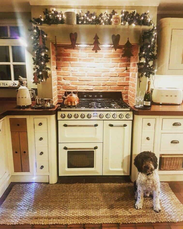 Smeg Deutschland smeg farmhouse kitchen with copper kettle