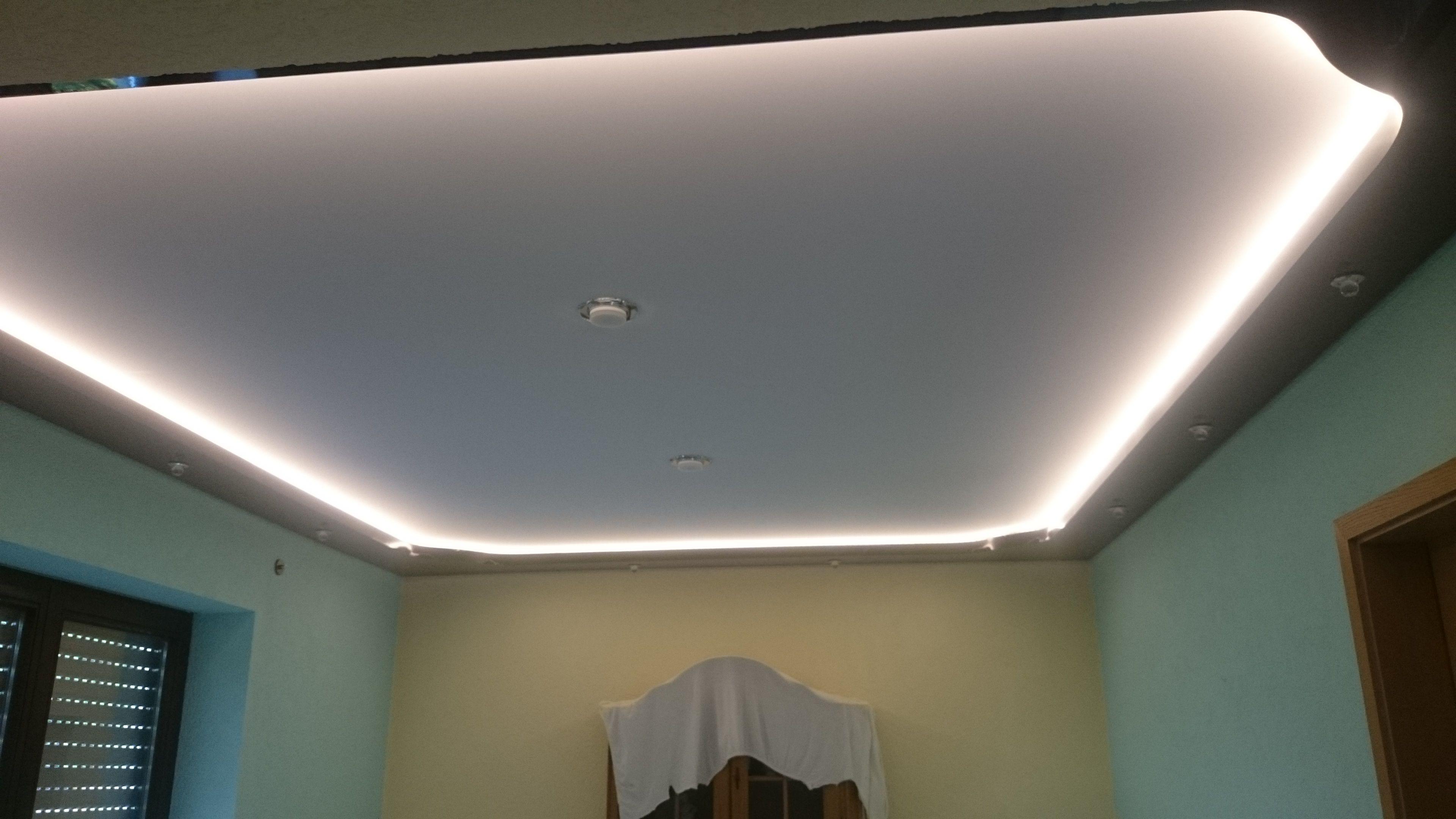 Gewebe Spanndecke Mit Lackfolien Lichtvoute Meyer Spanndecken Beschichtungstechnik Spanndecken Inneneinrichtung Decke