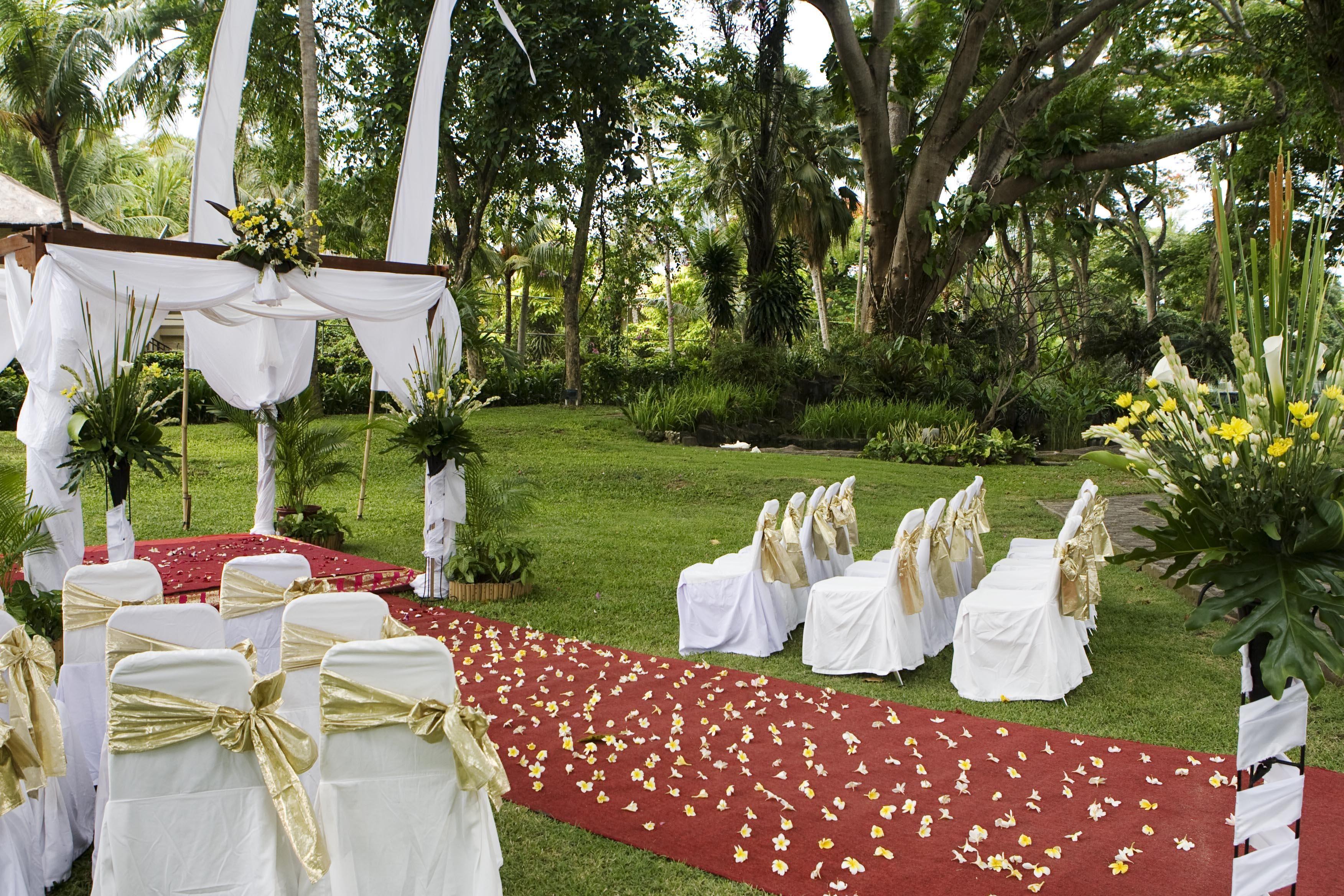Garden Wedding | Wedding at Aerowisata Sanur Beach Hotel Bali ...
