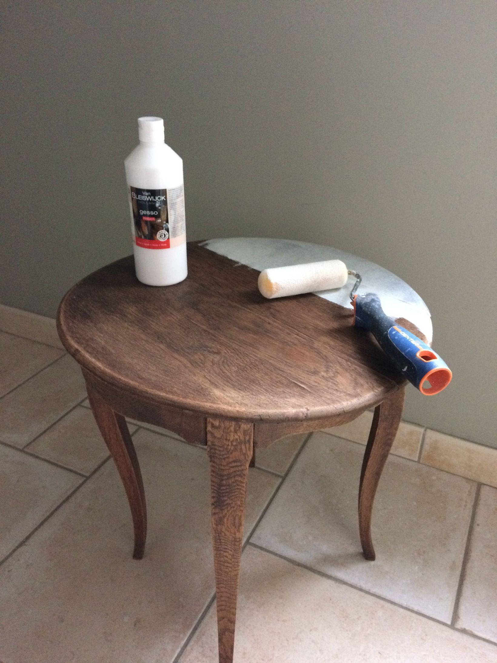 Patine De Table Etape 2 Comment Repeindre Une Table En Bois Mobilier De Salon Decoration Meuble