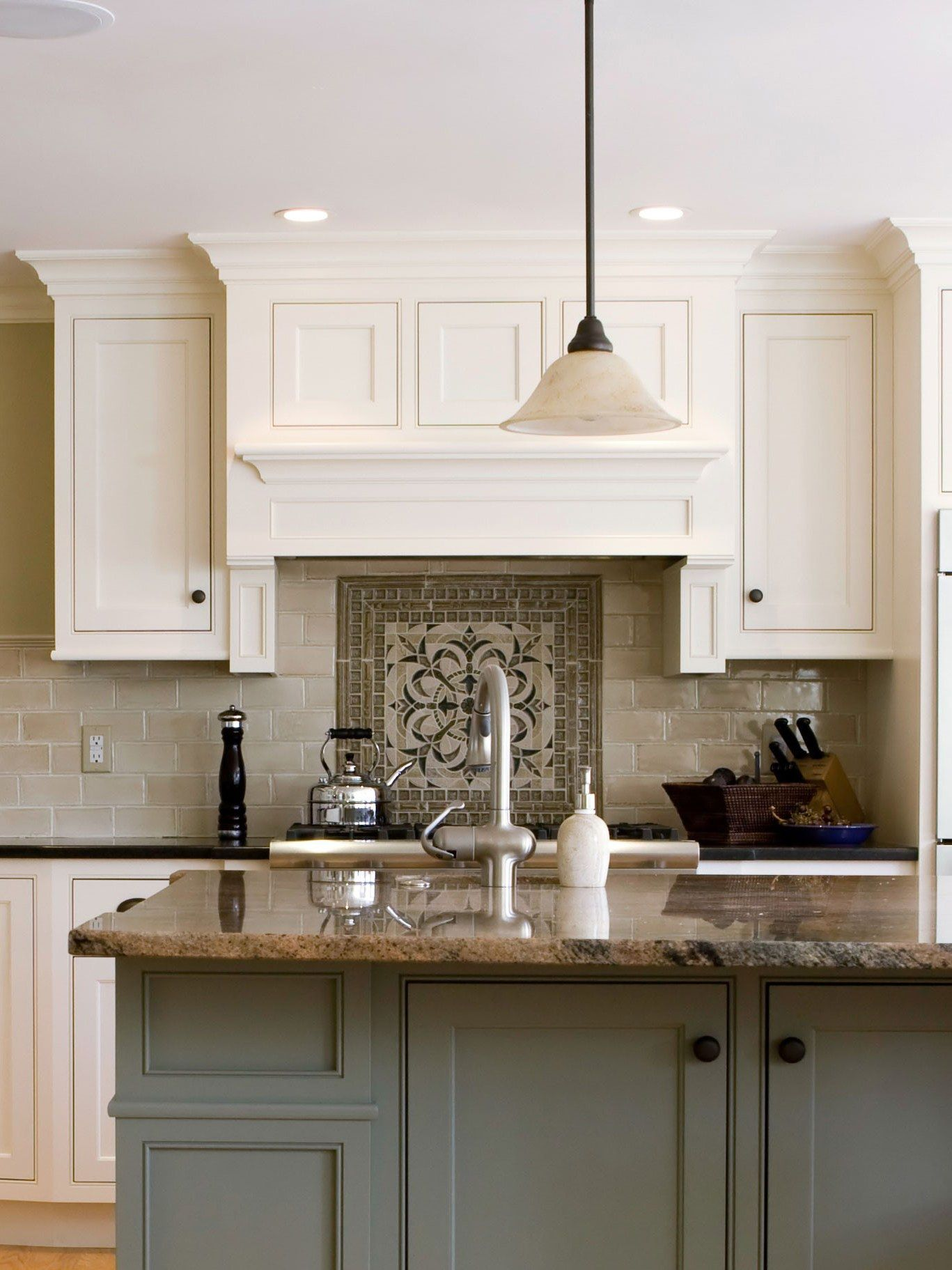 Best Diy Kitchen Cabinet Ideas And Designs For 2019 And Diy Kitchen Cabinets From Pallets Ceilin Diy Kitchen Cabinets Kitchen Cabinetry Kitchen Cabinet Layout
