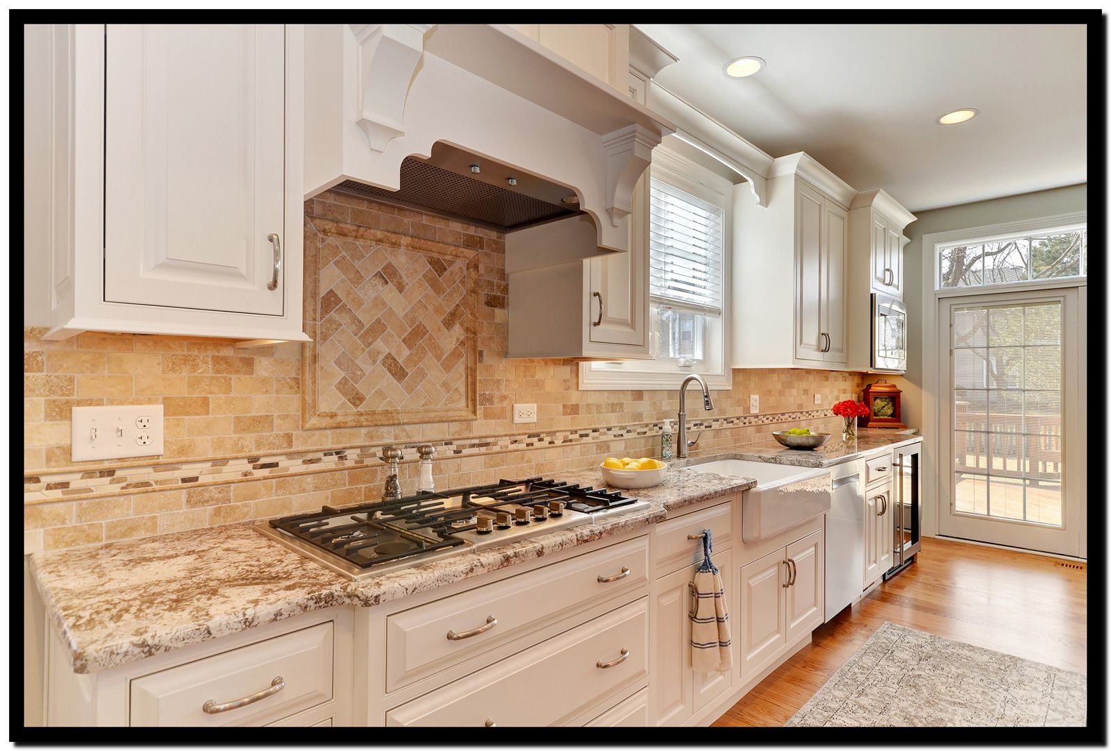 A Kitchen Remodel In Lake Zurich Illinois Uses Two Cabinet Colors To Capture An Upbeat Traditiona Kitchen Design Countertops Modern Kitchen Room Kitchen Style