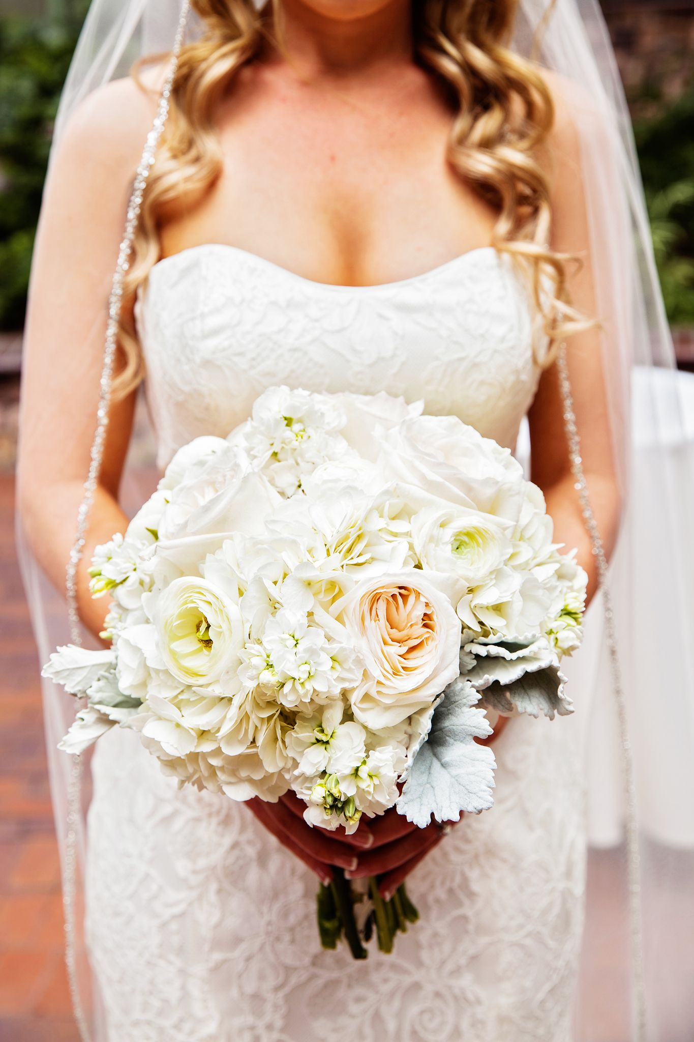 Love this beautiful bride and her bouquet! #princess #bride #disney ...
