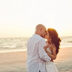 A gorgeous engagement session in St. Petersburg, Florida. This couple couldn't look more in love! (Photos by Weber Photography by Wes + Liz)