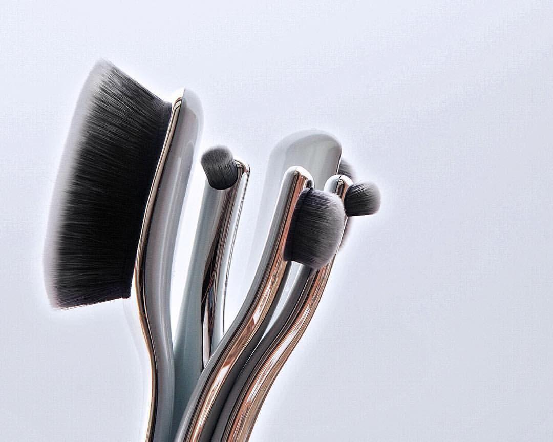 #artisbrush @neimanmarcus @bergdorfgoodman #NMBeauty   Artis Digit Skincare brushes