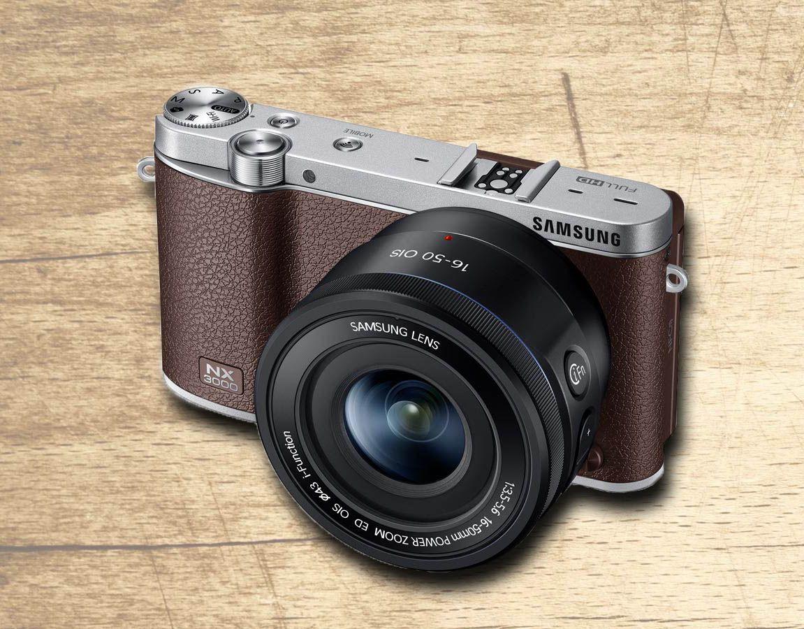 Um toque revivalista - High-Tech Girl   O design é revivalista mas as aparências iludem. Esta nova câmara da Samsung é moderna, digital, não utiliza espelhos e promete criar selfies perfeitas.