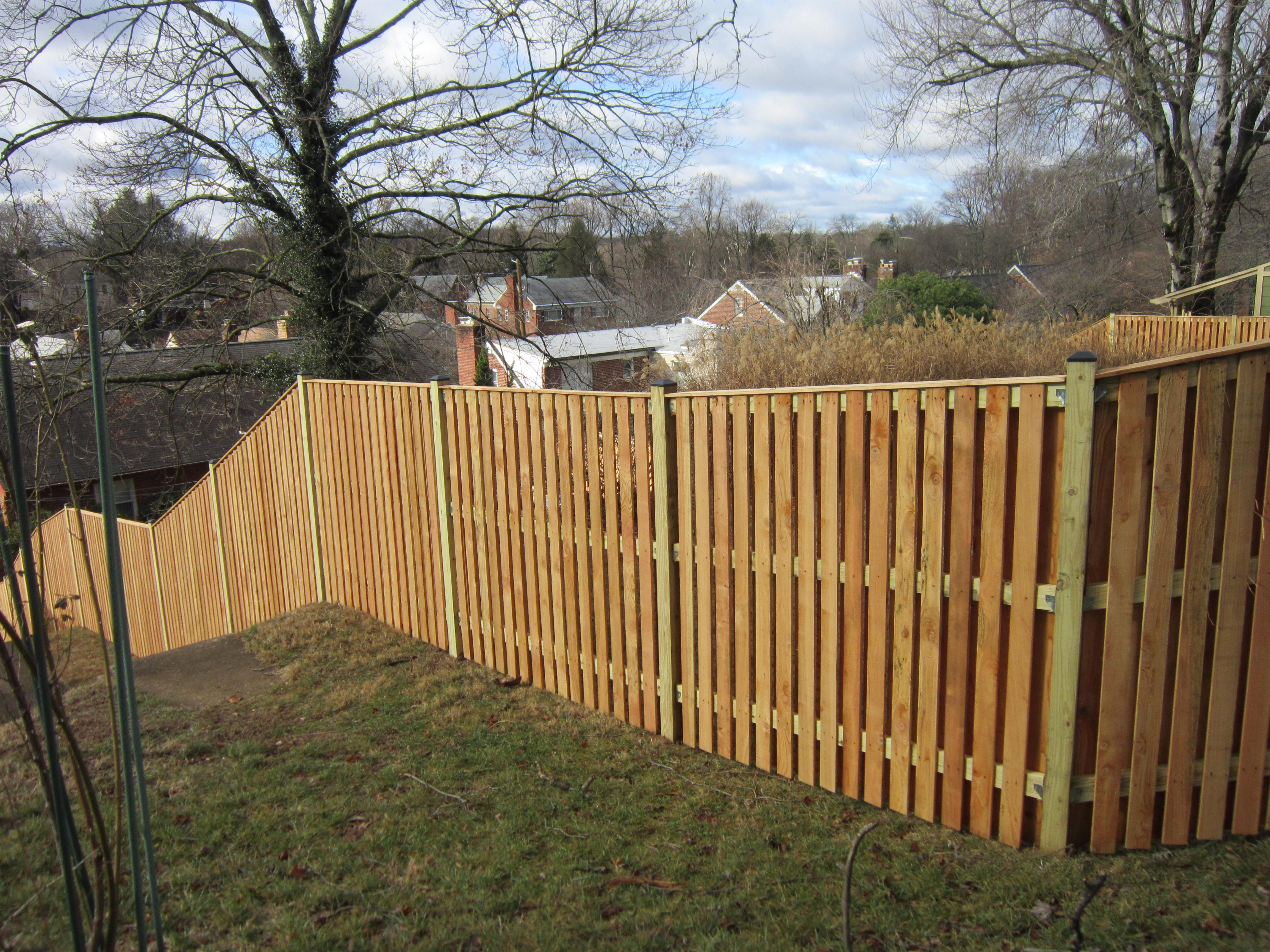 Board On Board Semi Private Wood Fence With Cap Board Backyard Fences Good Neighbor Fence Wood Fence
