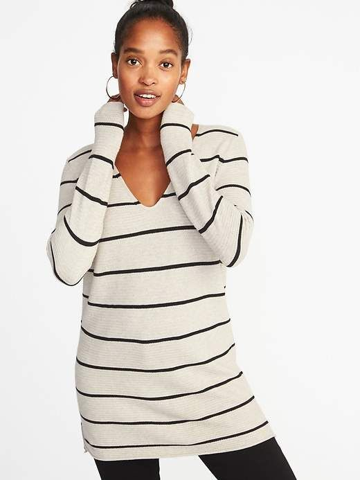 022dd2820e29a Old Navy Textured V-Neck Tunic Sweater for Women | Products in 2019 ...