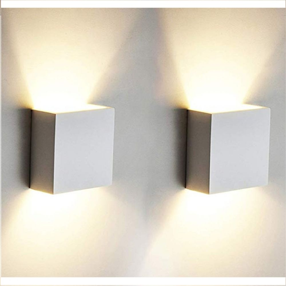 Pin by Fergie Nazaire on Room in 2020 | Wall lamp, Indoor