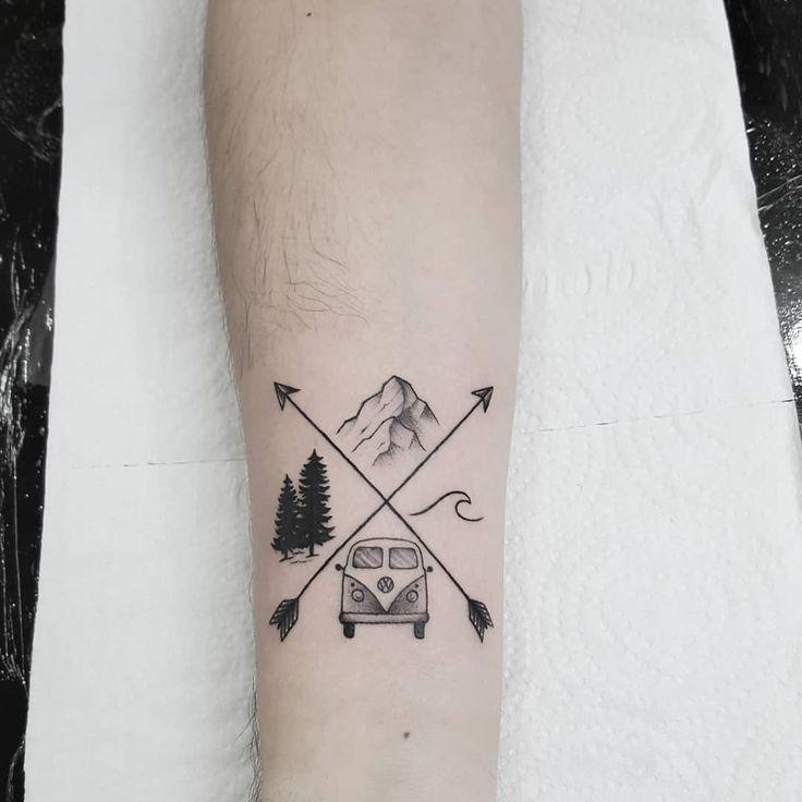 Tatuagem criada por Thiago Medina de Porto Alegre.    Tatuagem para os amantes de viagem e acampamento.