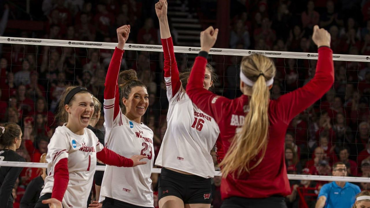 Badgers Volleyball Advances To National Championship Tv3 Https Zthnews Com 2019 12 20 Badgers Volleybal Badger Volleyball National Championship Volleyball
