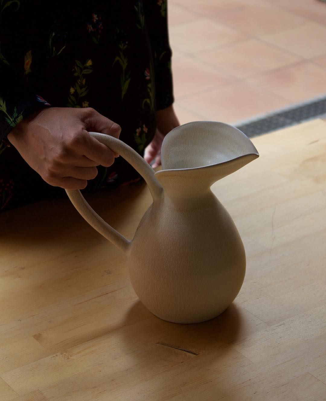 Flashback To A Very Special Limited Ceramic Collection Ceramics Loveceramic Stoneware Vase Tableware Homeinterior Design Vajilla Vajillas