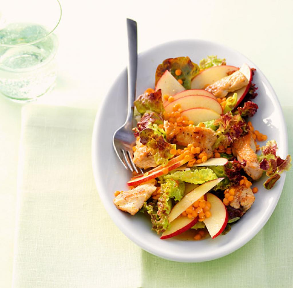 Rezept für Linsen-Puten-Salat bei Essen und Trinken. Ein Rezept für 4 Personen. Und weitere Rezepte in den Kategorien Geflügel, Gemüse, Gewürze, Obst, Hauptspeise, Beilage, Salate, Braten, Asiatisch, Einfach, Fettarm, Kalorienarm / leicht, Schnell.