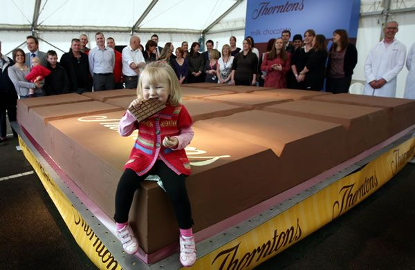 Thornton Breaks Record For Biggest Chocolate Bar In The World
