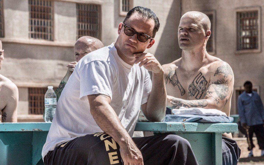Pin by Joshua Palacios Quiros on Wallpaper ¡phone | Jeffrey donovan, Bottle  shoot, Crime thriller