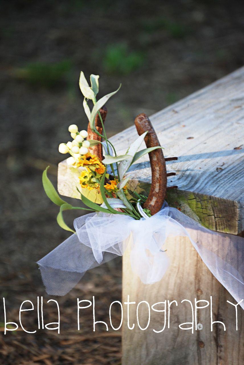 Leftover Horseshoes Make A Nice Wedding Decor At Aw Shucks Farms Wedding Decorations Horseshoe Decor Ceremony Decorations
