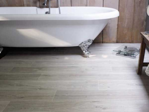 sol pvc salle de bain : un revêtement de sol déco bluffant ! | sol ... - Pvc Pour Mur Salle De Bain