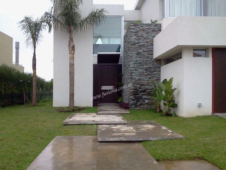 M135 puerta moderna con manijon de acero inoxidable - Puertas de madera exterior modernas ...