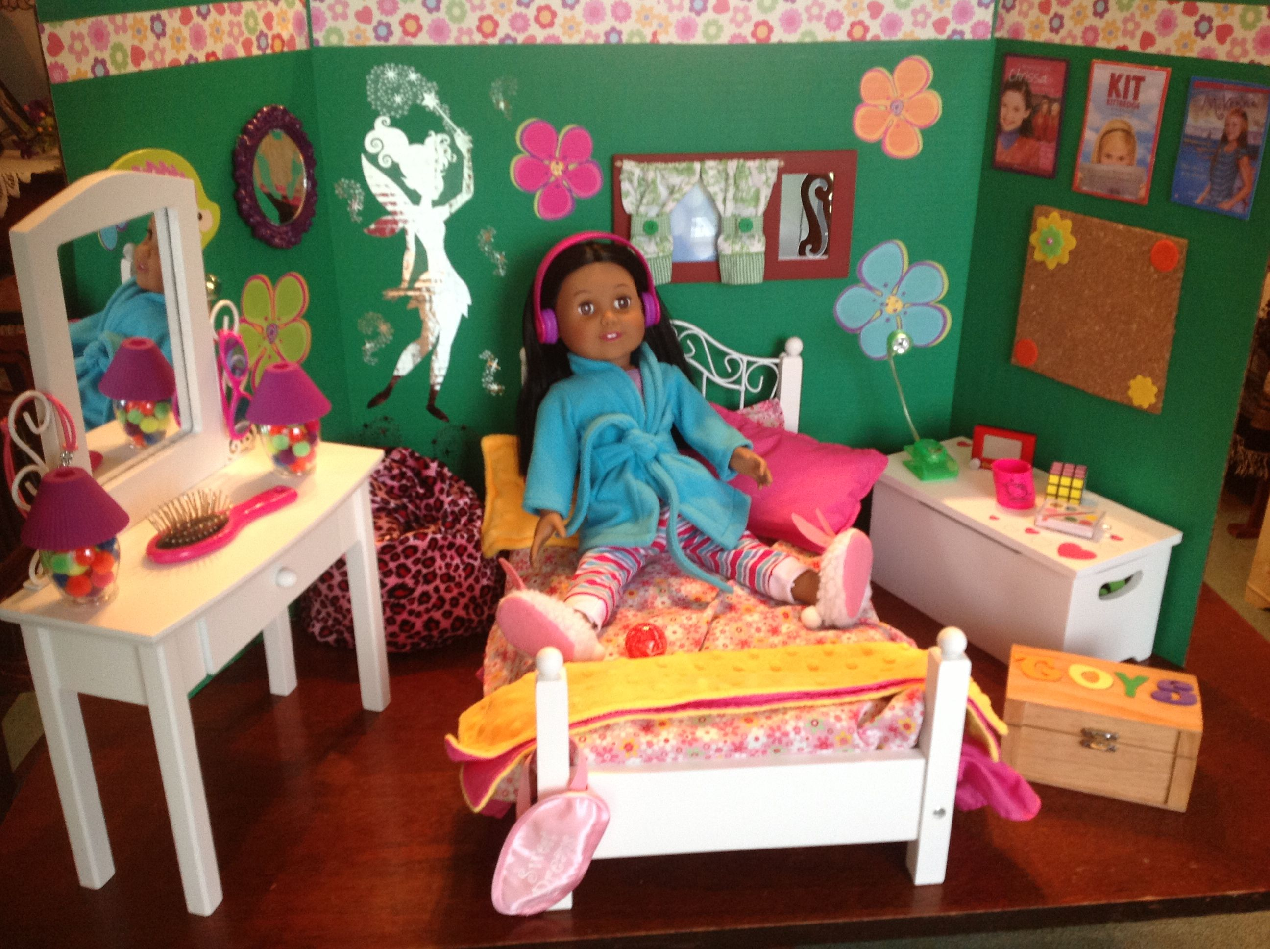 Scrapbook paper dollhouse wallpaper - American Girl Dollhouse A Three Fold Science Display Project Board Decorated With Stickers