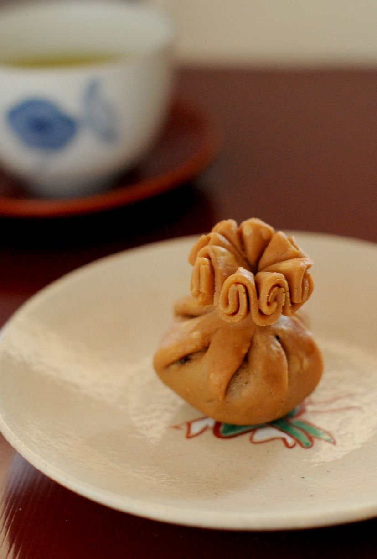 Wagashi, Japanese Traditional Cake (KAMEYAKIYONAGA, Kyoto) 亀屋清永「清浄歓喜団」