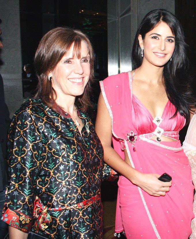 Katrina Kaif Is Actively Involved In Her Mother S Charitable Trust Relief Projects India Rpi Style Bollywood Katrina Kaif Katrina Picture Of Katrina Kaif